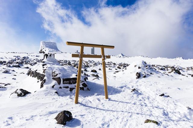 冬の蓼科神社奥宮