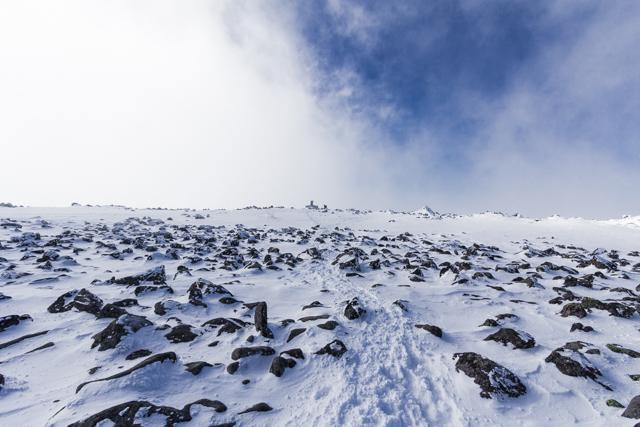 冬の蓼科山山頂