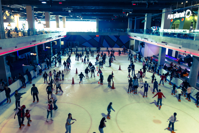 セントラルフェスティバルのアイススケートリンク