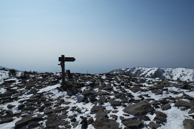 冬の湯ノ丸山山頂からの景色