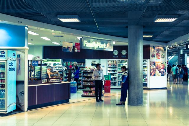 スワンナプーム国際空港のファミリーマート