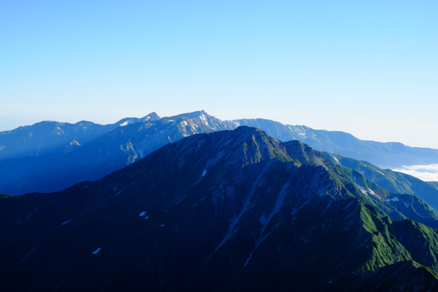 五竜岳、唐松岳へと続く稜線