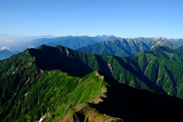 鹿島槍ヶ岳山頂からの槍ヶ岳、穂高連峰