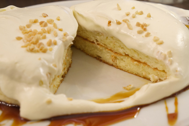 高倉町珈琲の特製クリームのリコッタパンケーキ