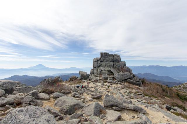金峰山山頂の五丈岩