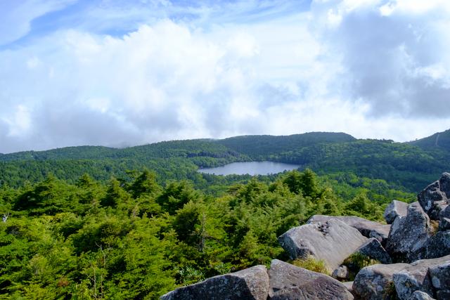 高見石からの白駒池