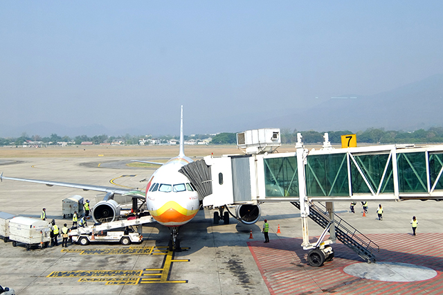 チェンマイ空港に駐機しているバンコクエアウェイズのA320