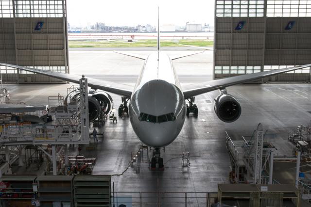 整備中のJA707A