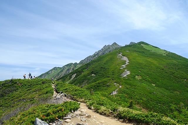 西穂高岳への稜線