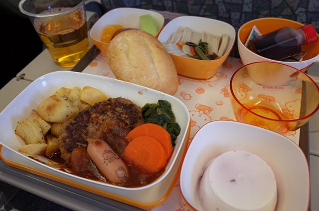 エバー航空ハローキティジェットBR189の機内食