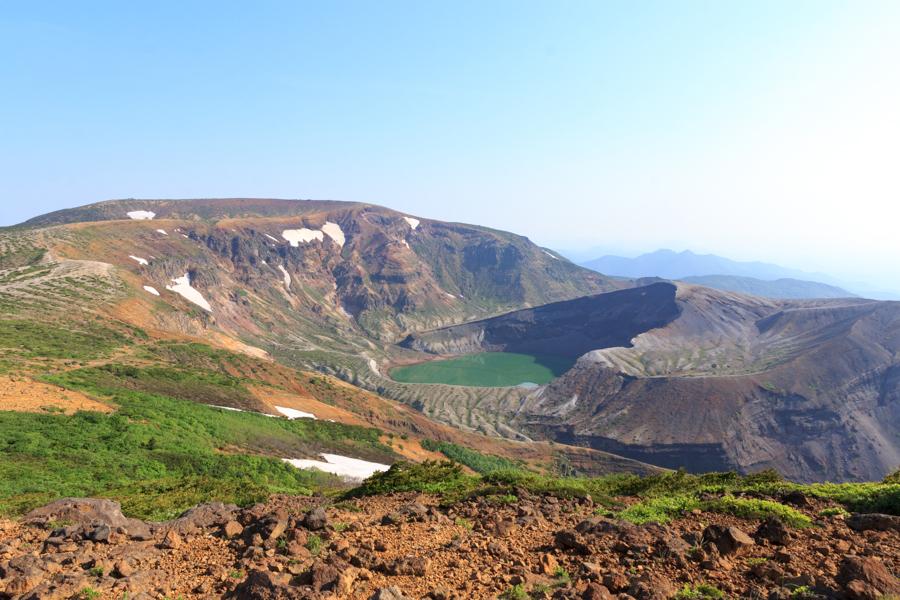 刈田岳からの御釜
