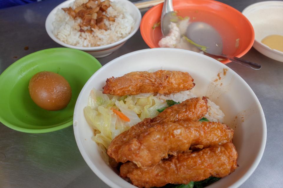 金仙魚丸分店の蝦捲飯と魯肉飯と蝦仁湯