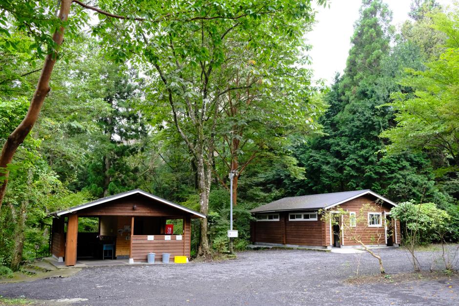 Foresters  Village  Kobitto あさぎりキャンプフィールドのサニタリー棟とトイレ棟