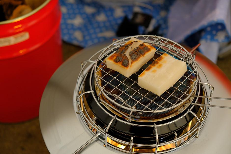レインボーストーブで焼き餅