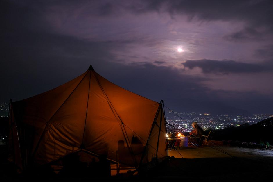 パインウッドオートキャンプ場からの夜の眺め
